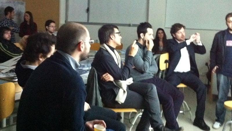Sesión critica con los alumnos de proyectos Fernando Jerez en la Universidad Camilo José Cela